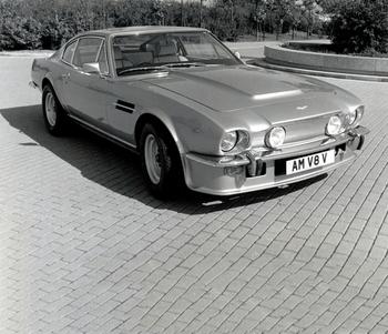 AM V8